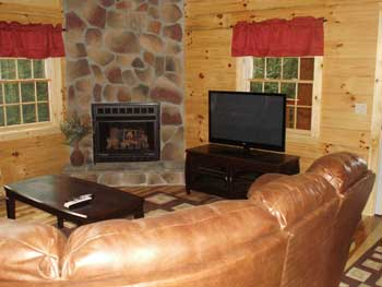 Hocking Hills Cabins-Red Creek Living Room